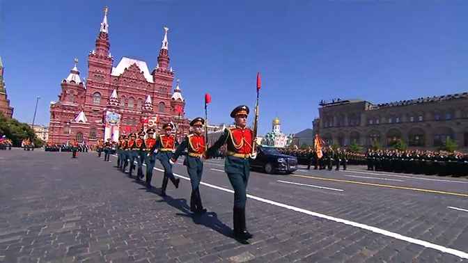 «Старались от души»: Путин высоко оценил проведение Парада Победы