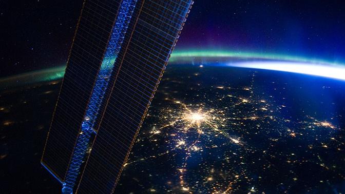 Названа стоимость полета к МКС с выходом в открытый космос