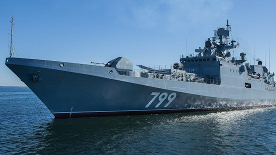 «Адмирал Макаров» уничтожил самолеты «противника» в Средиземном море