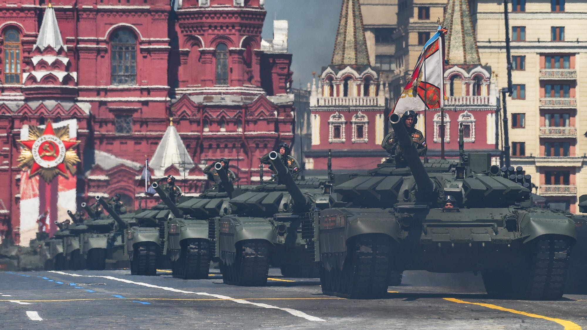 Китайские журналисты оценили «смертоносные машины» на Параде Победы в Москве