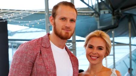 Юрист рассказал, почему Пелагея и Телегин разводятся через суд