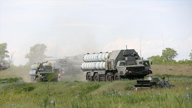 В ФСВТС объяснили невозможность реэкспорта российских С-400 в США