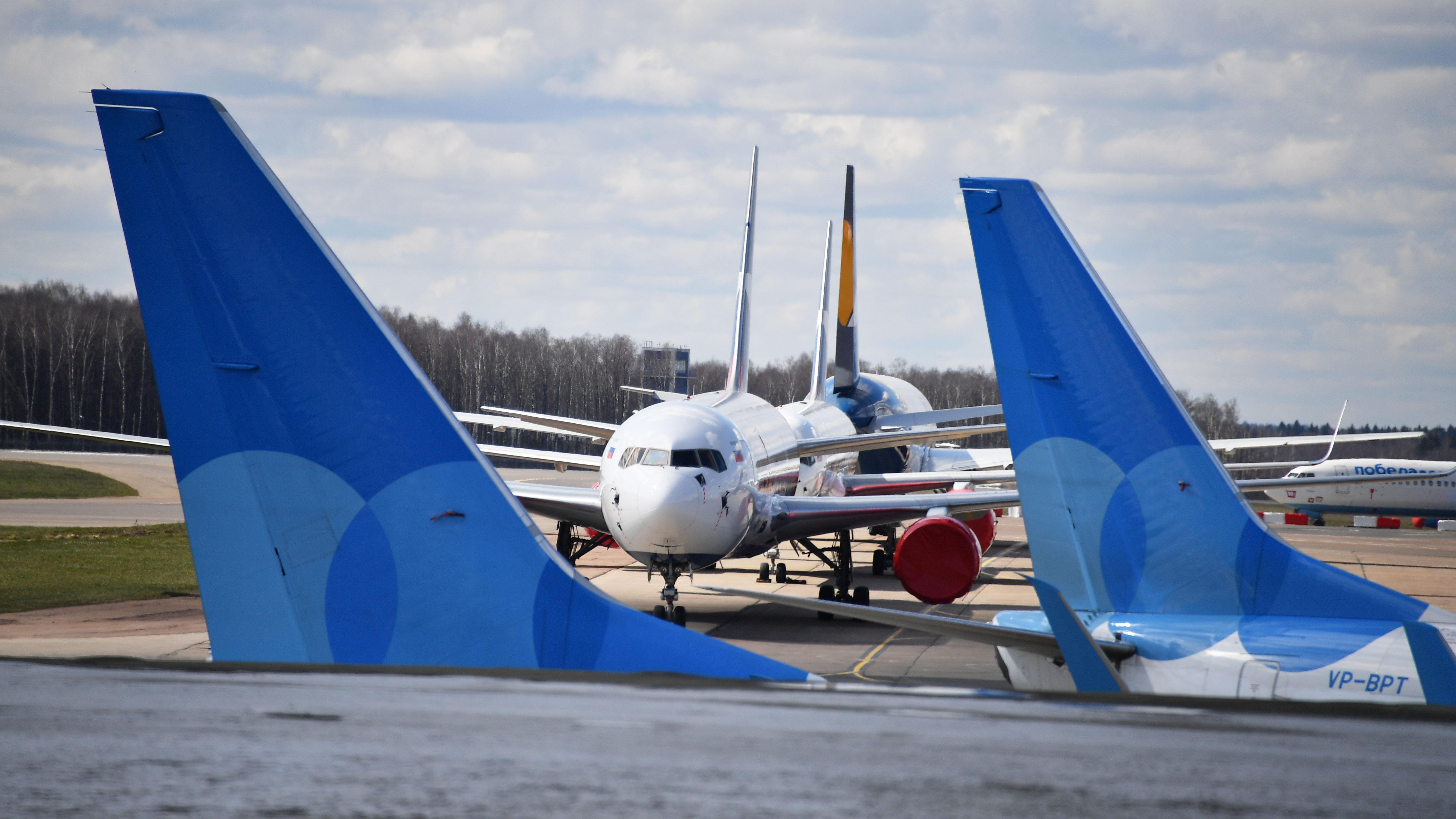 СМИ: в небе над Ростовом чуть не столкнулись два самолета