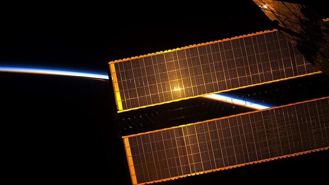 Орбиту МКС внепланово скорректировали из-за риска столкновения с космическим мусором