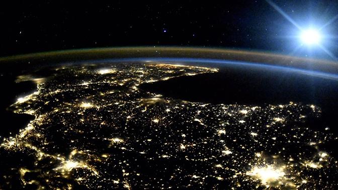 Раскрыты детали выхода первого туриста в открытый космос