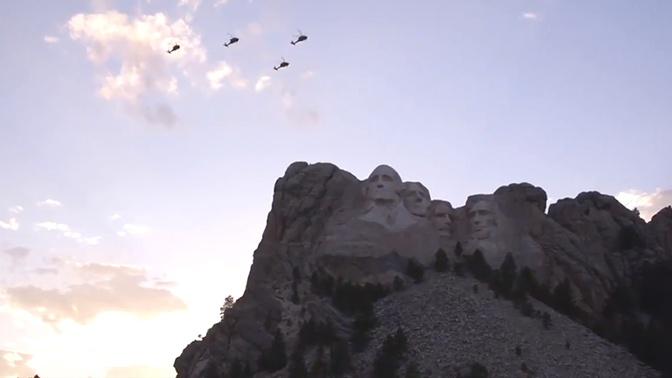 Трамп принял авиационный парад в честь Дня независимости США