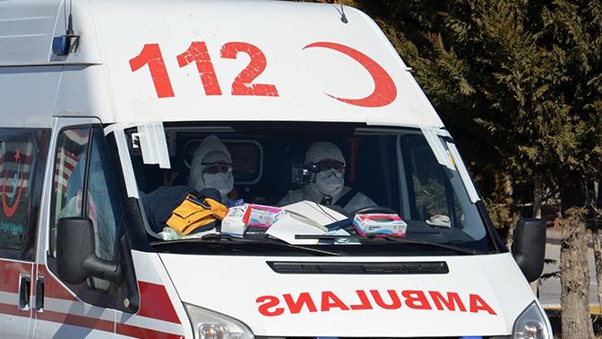 При аварии с пассажирским автобусом в Турции пострадали 17 человек