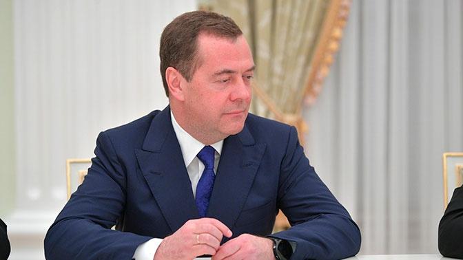 Матвиенко рассказала, почему Медведев не получит статус сенатора автоматически