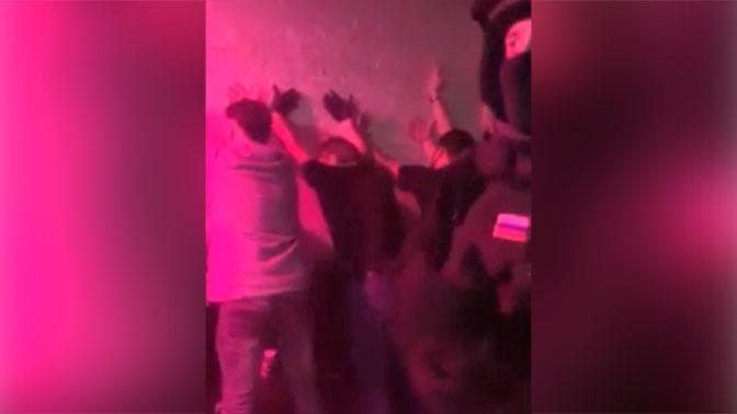 ОМОН прервал «гаражную» вечеринку в Новом Уренгое: видео