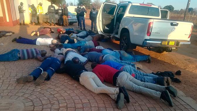 Пять жертв: неизвестные захватили заложников в церкви в ЮАР