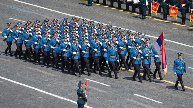 Шойгу поблагодарил Минобороны Сербии за участие в Параде Победы