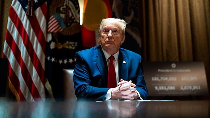 Трамп планирует запретить въезд в США членам Компартии КНР