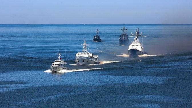 В Главном параде ВМФ примут участие более 40 воздушных судов и более 40 кораблей