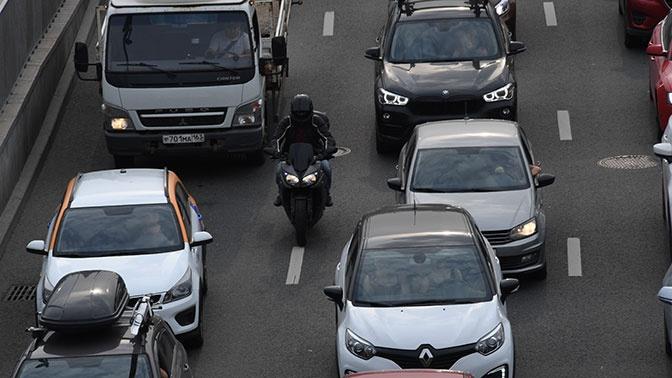 Мотоциклистов могут начать штрафовать за лавирование между рядами