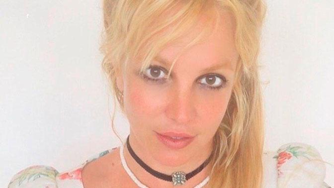 Фанаты Бритни Спирс требуют освободить ее из-под опеки отца