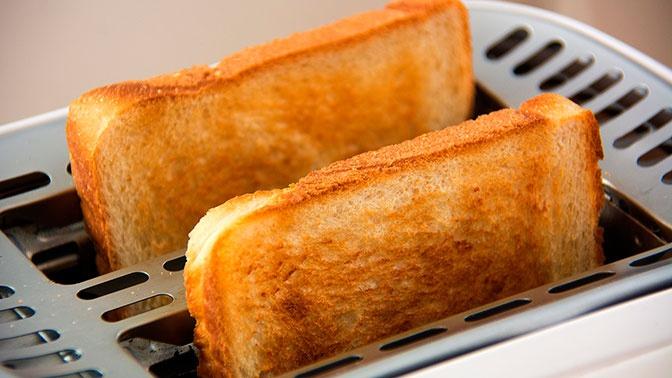 В Роскачестве предупредили об опасности нарезанного хлеба