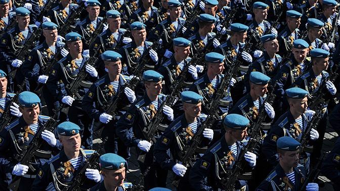 Председатель ДОСААФ поздравил воинов-десантников с 90-летием ВДВ