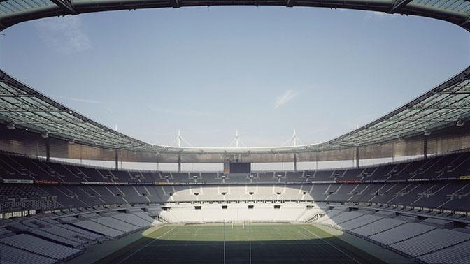 Матчи футбольных еврокубков начнутся с минуты молчания в память о жертвах пандемии