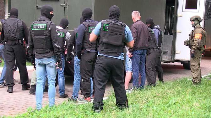 МИД РФ назвал спектаклем задержание россиян в Белоруссии