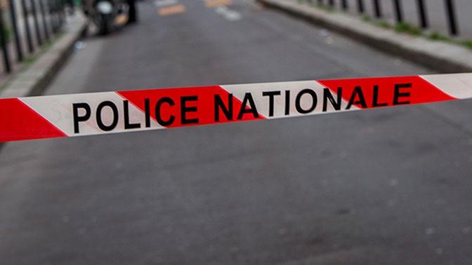 Неизвестный захватил заложников в банке во французском Гавре