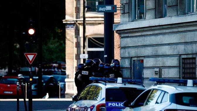 Два заложника остаются в отделении банка в Гавре