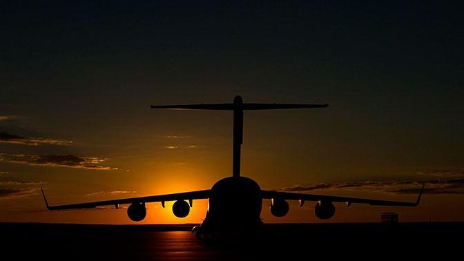 Самолет из Красноярска аварийно приземлился в Хабаровске