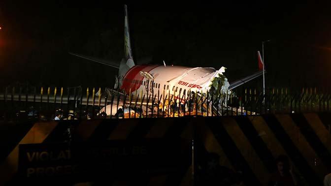 СМИ: у одного из погибших при авиакатастрофе в Индии был COVID-19