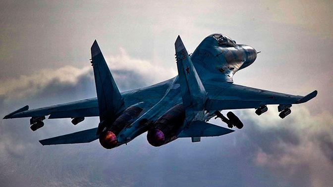 Истребитель Су-27 перехватил американские самолеты над Черным морем