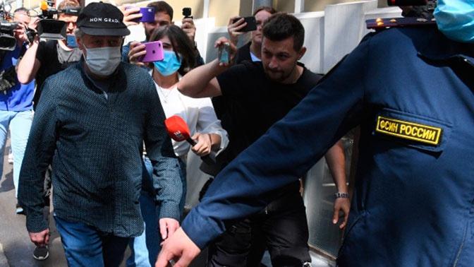 СМИ: Ефремов уже находится дома