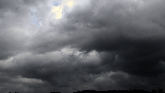 Опасное явление: в Гидрометцентре предупредили о сильных дождях в нескольких регионах РФ