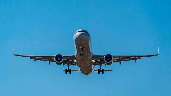 Вылетевший в Турцию самолет экстренно вернулся в Пулково