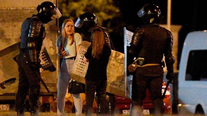 МВД Белоруссии пообещало разобраться со случаями насилия в отношении протестующих