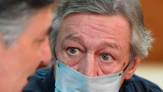 Адвокат: у Ефремова диагностирована хроническая прогрессивная болезнь легких