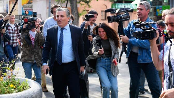 Адвокат Пашаев вступил в перепалку с журналисткой