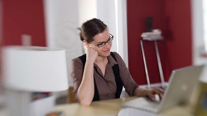 Названы самые высокооплачиваемые вакансии для работы на удаленке