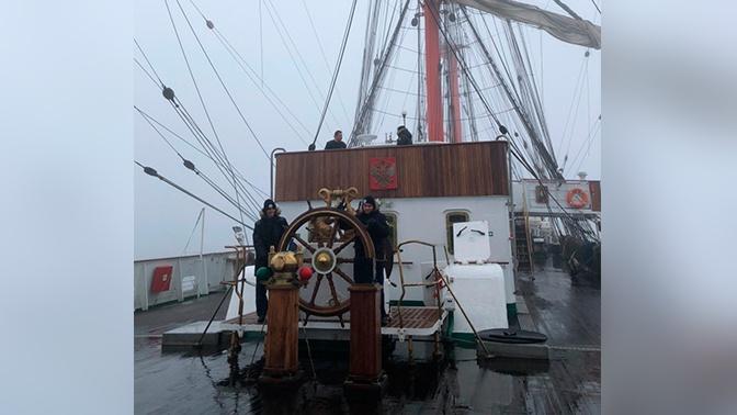 По Северному морскому пути: «Седов» вышел в Тихий океан через пролив Крузенштерна