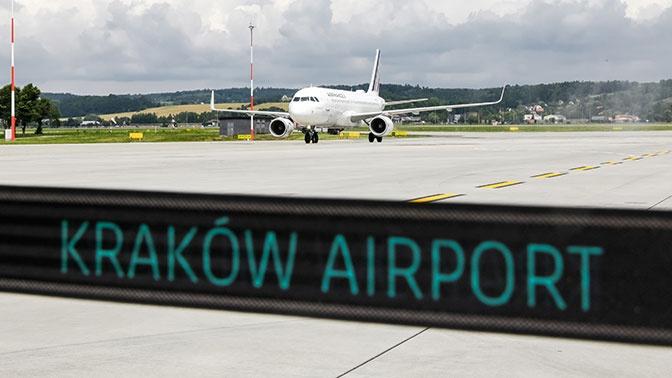 Польша намерена возобновить авиасообщение с Россией