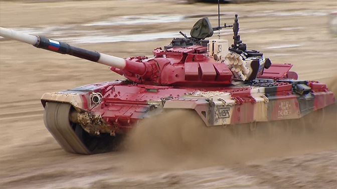 Российские экипажи выбились в лидеры на конкурсе «Танковый биатлон»