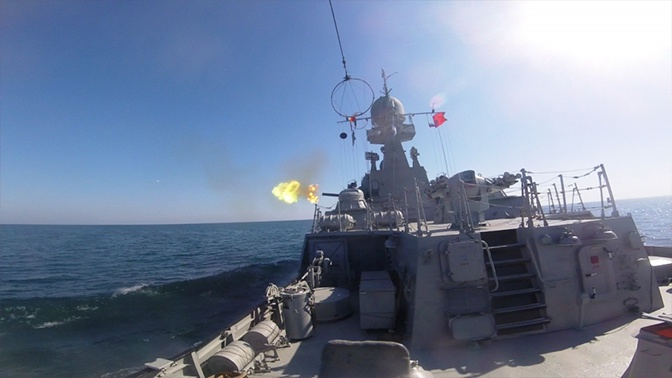 Экипажи МАК «Махачкала» и патрульного корабля G-122 поделили первое место в конкурсе «Кубок моря»