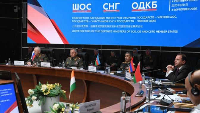 Шойгу заявил, что встреча глав Минобороны стран ШОС, СНГ и ОДКБ стала первой в истории