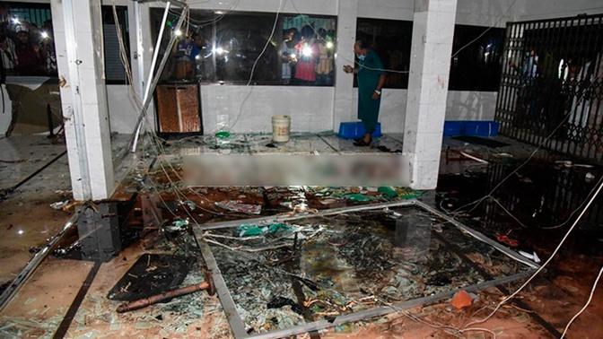 СМИ: при взрыве кондиционеров в мечети в Бангладеш погибли 11 человек