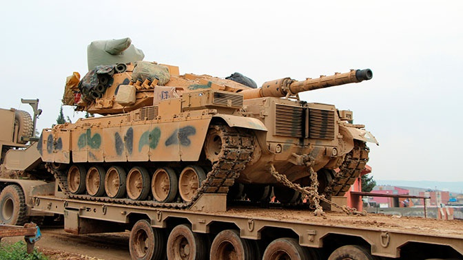 СМИ: Турция перебрасывает танки к границе с Грецией