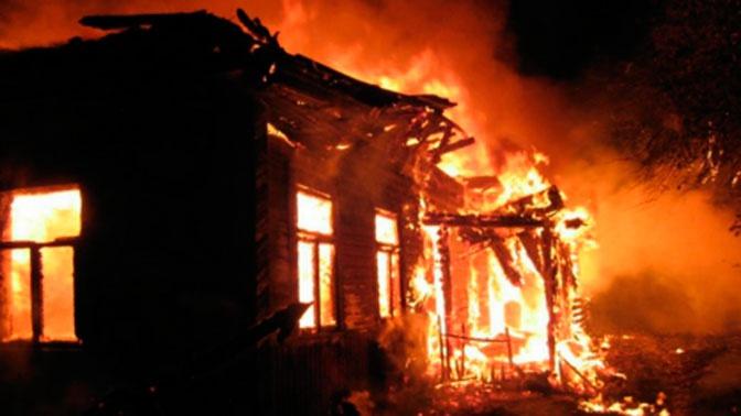 При пожаре в Костромской области погибли две женщины и ребенок