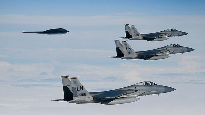 Шойгу заявил о регулярных полетах НАТО с имитацией нанесения ракетных ударов по территории России