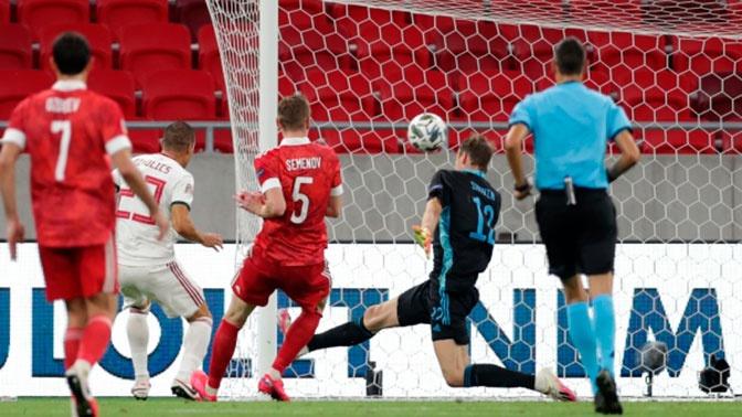 «Победное фото»: Дзюба опубликовал снимок из раздевалки после матча с Венгрией