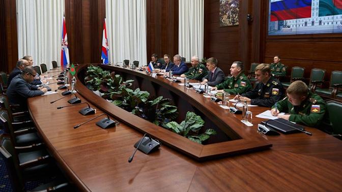 Замминистра обороны РФ Фомин встретился с послом Народной Республики Бангладеш