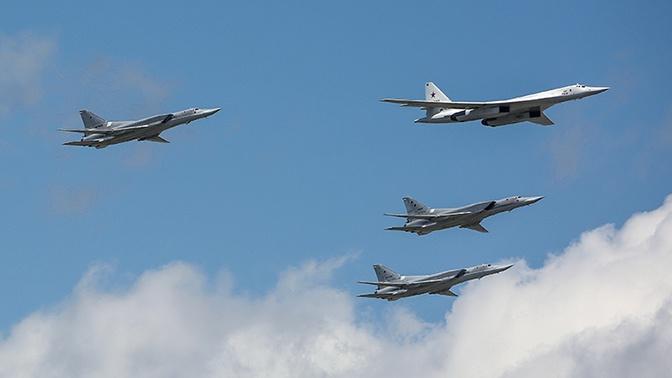 Бомбардировщики Ту-160 и Ту-22М3 приступили к выполнению задач в рамках тренировки сил ПВО стран СНГ