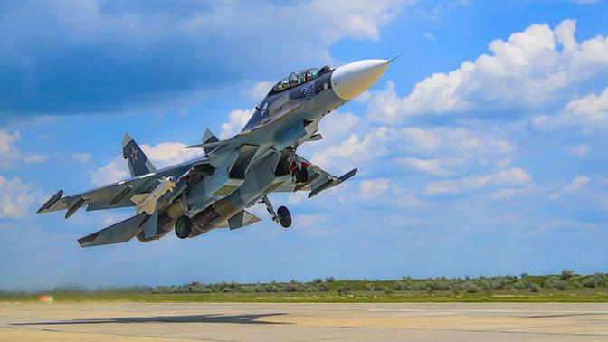 В Крыму авиация провела бомбометание по морским и береговым целям