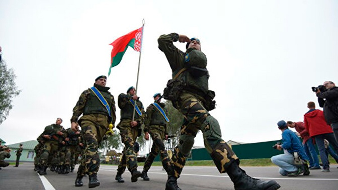 Министр обороны Белоруссии заявил о возвращении военнослужащих в места дислокации