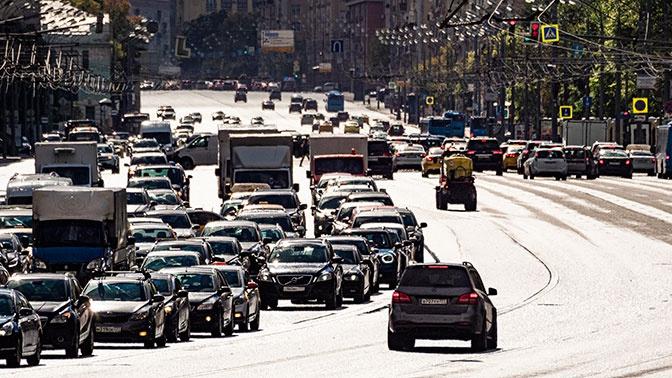 В Госдуме предложили разрешить управление автомобилем с 16 лет